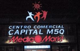 Rótulo de neón para media markt