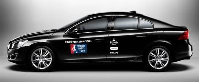 Diseño de vinilo en vehículo negro