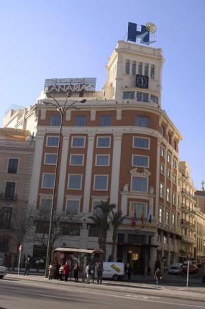 Rótulo  de fachada de edifico